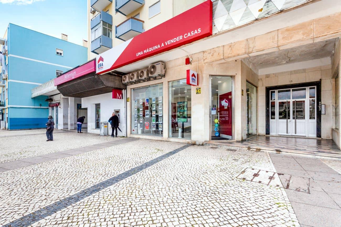 compra e venda de imóveis em Almada